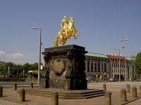 Treffpunkt am Goldenen Reiter, Tourstopps zum Mitradeln siehe Route und Zeitplan