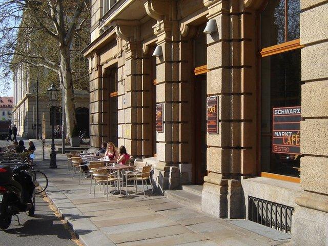 schwarzmarktcafe in dresden essen trinken veranstaltungen freizeit einkaufen sch nheit. Black Bedroom Furniture Sets. Home Design Ideas