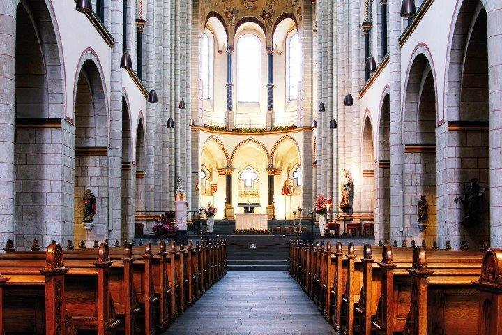 St. Quirin Innen Neuss
